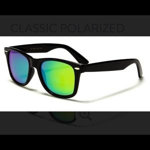 Women's NWT Retro Mirrored Sunglasses w/ pouch